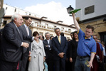 Mr. and Mrs. Cavaco Silva and the Prince of Asturias enjoyed a walking tour of Oviedo