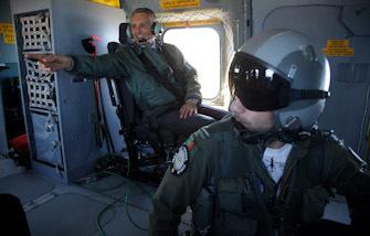 Treino de Busca e Salvamento, conduzido em conjunto pela Marinha e pela Força Aérea